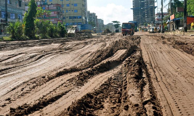 বন্দরনগরী চট্টগ্রামে পোর্ট কানেকটিং রোডের চিত্র