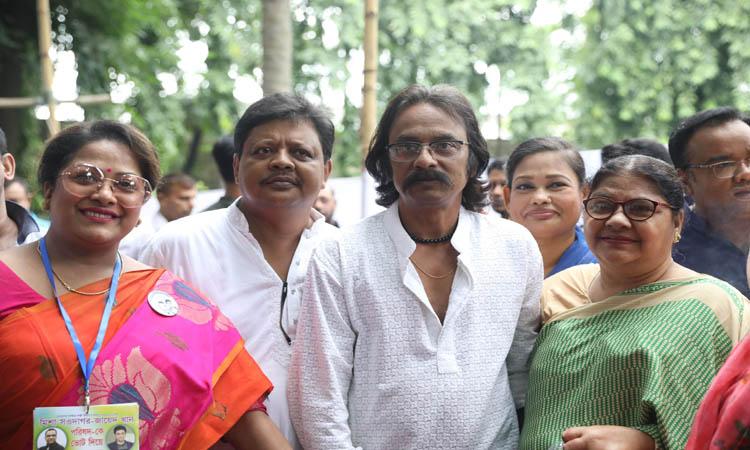 বাংলাদেশ চলচ্চিত্র শিল্পী সমিতির নির্বাচনে অভিনেতা ও অভিনেত্রীরা