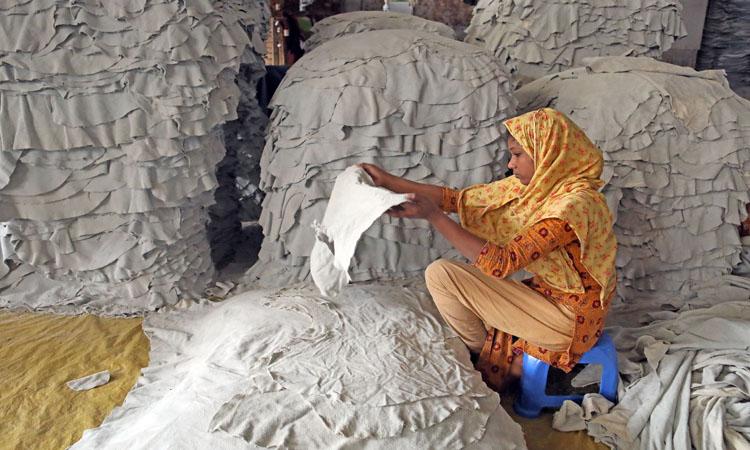 করোনাভাইরাসের প্রভাব পড়েছে চামড়া শিল্পে